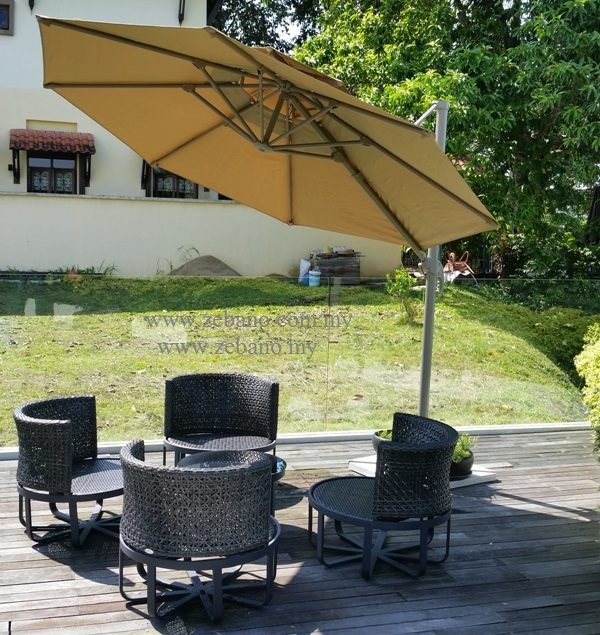 Garden cantilever Umbrella US-0109