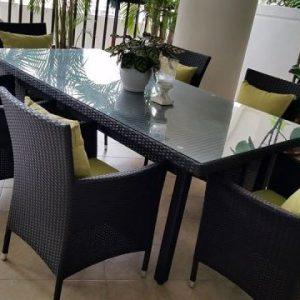 Contemporary Outdoor Dining Set @Armanee Terrace Condo