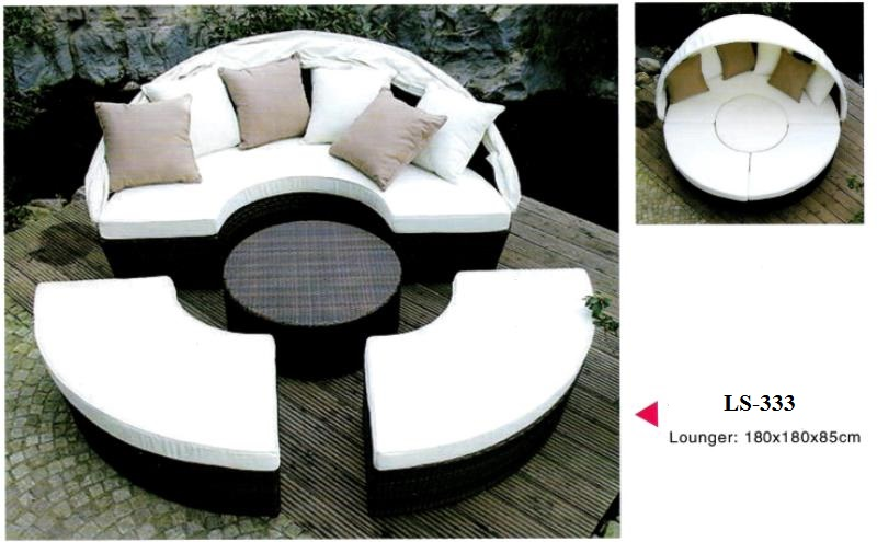 Outdoor wicker day bed 4pc set