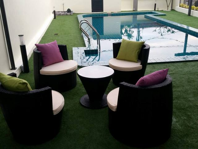 Stacking Wicker Pool Deck Sofa
