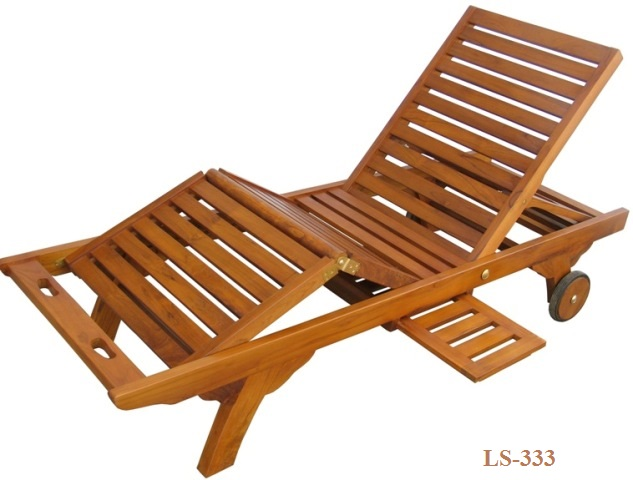 Adjustable reclining teak lounger