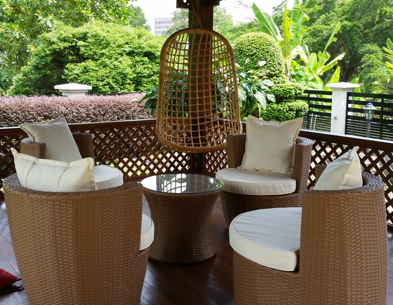 wicker patio sofa