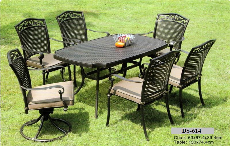 Outdoor cast aluminum dining furniture