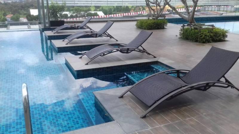 Wicker pool deck lounger LS-0238 (2)