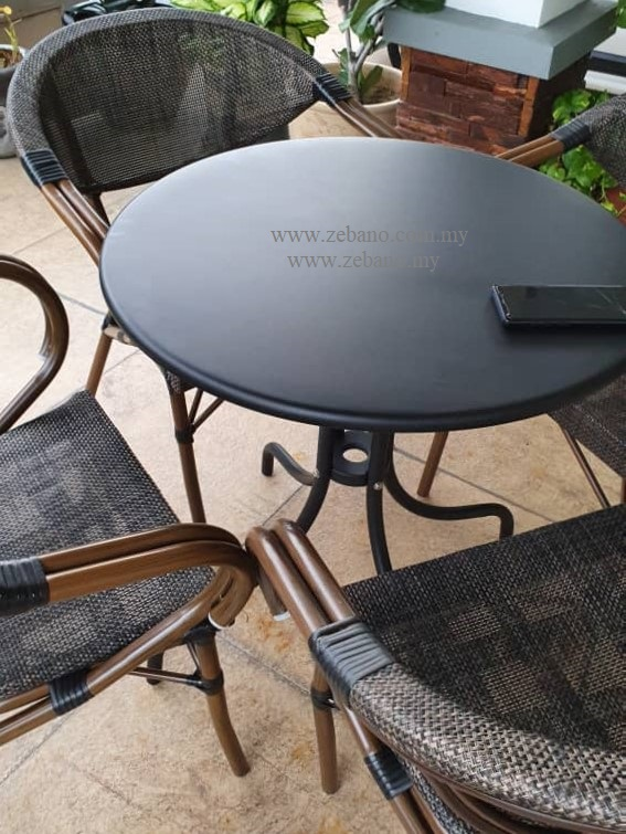 Batyline outdoor dining chair and table DS-789