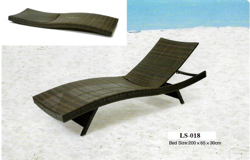 Wicker Outdoor Sun Lounger LS-018