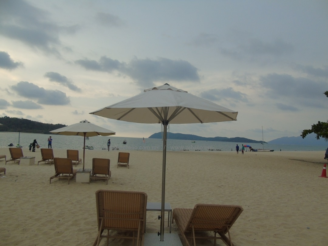Heavy Duty Beach Resort Umbrella US 1003SS