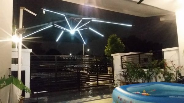 Cantilever Parasol with Solar Charge Led Lights